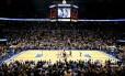 Jogo da NBA entre Oklahoma City Thunder e Los Angeles Lakers