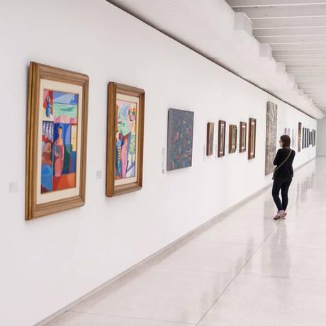 Museu Oscar Niemeyer, em Curitiba, faz exposição com 48 obras de arte apreendidas na Operação Lava-Jato Foto: Cassiano Rosário/ Futura Press