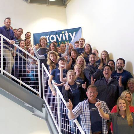 Funcionários da Gravity Payments, que estabeleceu a meta de um salário-mínimo de R$ 18 mil Foto: Reprodução