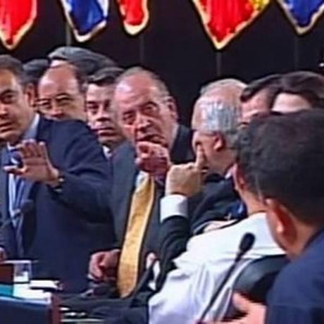 """Juan Carlos a Chávez: """"Por que não se cala?"""" Foto: arquivo/2007"""