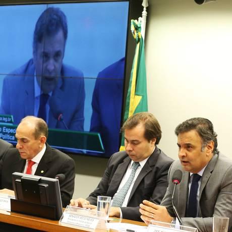Parlamentares participam de debate sobre reforma política na comissão especial na Câmara Foto: Ailton de Freitas / Agência O Globo