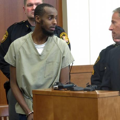 Abdirahman Sheik Mohamud, no tribunal: suspeito de treinar com extremistas na Síria Foto: Andrew Welsh-Huggins / AP