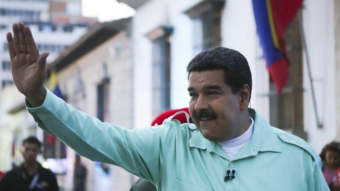 Nicolás Maduro. Governo do presidente venezuelano é acusado pela Sociedade Interamericana de Imprensa de perseguir jornais independentes, forçando-os a encerrar suas atividades Foto: HANDOUT / REUTERS
