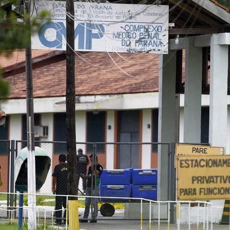 Detidos no Complexo Médico Penal de Pinhais, réus da Lava-Jato seguem dieta específica supervisionada por médicos pessoais Foto: Albari Rosa / Agência O Globo