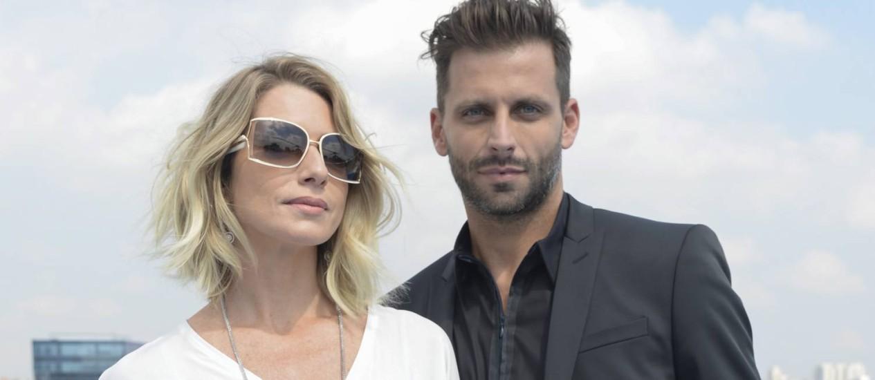 Soraya (Letícia Spiller) e Gabo (Henri Castelli): maldades Foto: TV Globo/Ze Paulo Cardeal / Divulgação