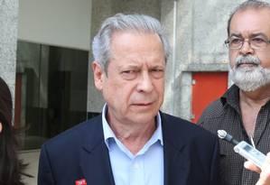 O ex-ministro da Casa Civil José Dirceu pediu autorização ao Supremo para passar o Dia das Mães em Passa Quatro Foto: André Coelho / Arquivo O Globo 15/11/2014