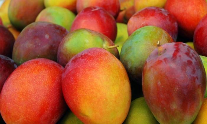 Compostos da fruta tropical chamados polifenóis podem combater células cancerosas na mama. Além disso, a manga é fonte de mais de 20 vitaminas e minerais, incluindo as vitaminas A, C, B6, folato e potássio. Foto: Stock Photos