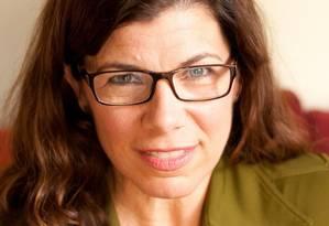Aos 50 anos, autora Robin Rinaldi lança livro que encoraja mulheres a explorarem sexualidade Foto: Divulgação