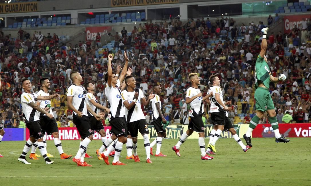 Jogadores do Vasco comemoram a classificação à final do Carioca Cezar Loureiro / Agência O Globo
