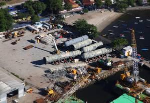 Equipamentos da Petrobras que seriam usados no Comperj foram estocados em depósito na Ilha do Governador Foto: Genilson Araújo/05-03-2015