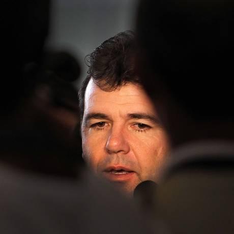 Enderson Moreira em 2011, na época em que comandava o time do Fluminense Foto: Alexandre Cassiano / Agência O Globo