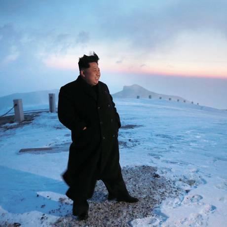 Kim Jong-un no Monte Paektu: homenagem ao pai Foto: AFP