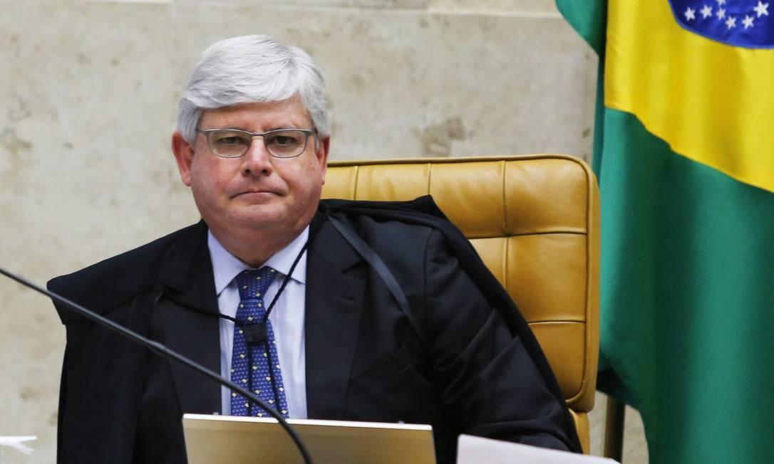 Rodrigo Janot e outros procuradores vão se reunir com delegados da PF para definir novo cronograma de trabalho Foto: Agência O Globo / Jorge William/11-03-2015