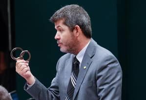 O deputado delegado Waldir (PSDB/GO) é a favor da redução da maioridade penal Foto: André Coelho / Agência O Globo