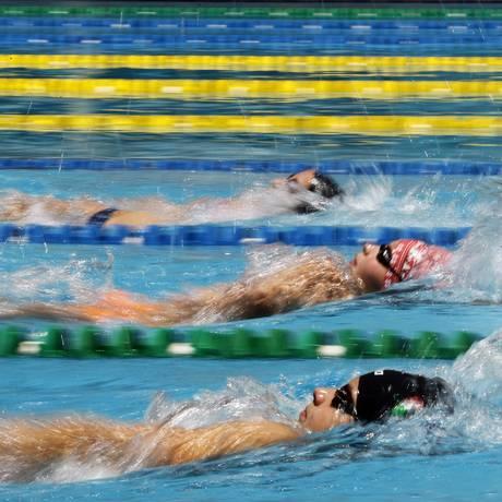 A Rússia atualmente tem 27 nadadores cumprindo suspensões por causa de doping Foto: Arquivo O Globo