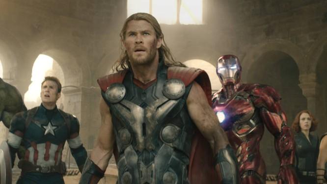 Hulk (Mark Ruffalo), Capitão América (Chris Evans), Thor (Chris Hemsworth), Homem de Ferro (Robert Downey Jr.), Viúva Negra (Scarlett Johansson) e Gavião Arqueiro (Jeremy Renner): os Vingadores Foto: Divulgação