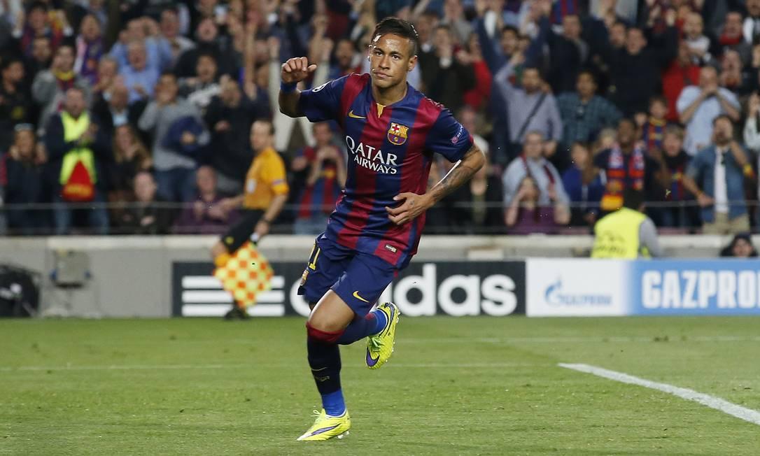 Neymar marcou dois para o Barcelona sobre o PSG ainda no primeiro tempo Gustau Nacarino / REUTERS