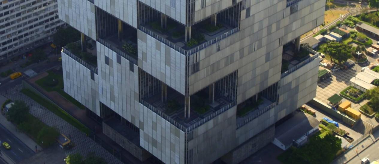 Suspense. Sede da estatal no Rio, onde deverá ocorrer o anúncio do balanço após mais de 150 dias de atraso. Foto: Genilson Araújo /Agência O Globo