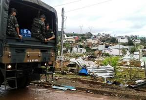 Exército leva ajuda humanitária a atingidos pelo tornado Foto: Secom / Julio Cavalheiro