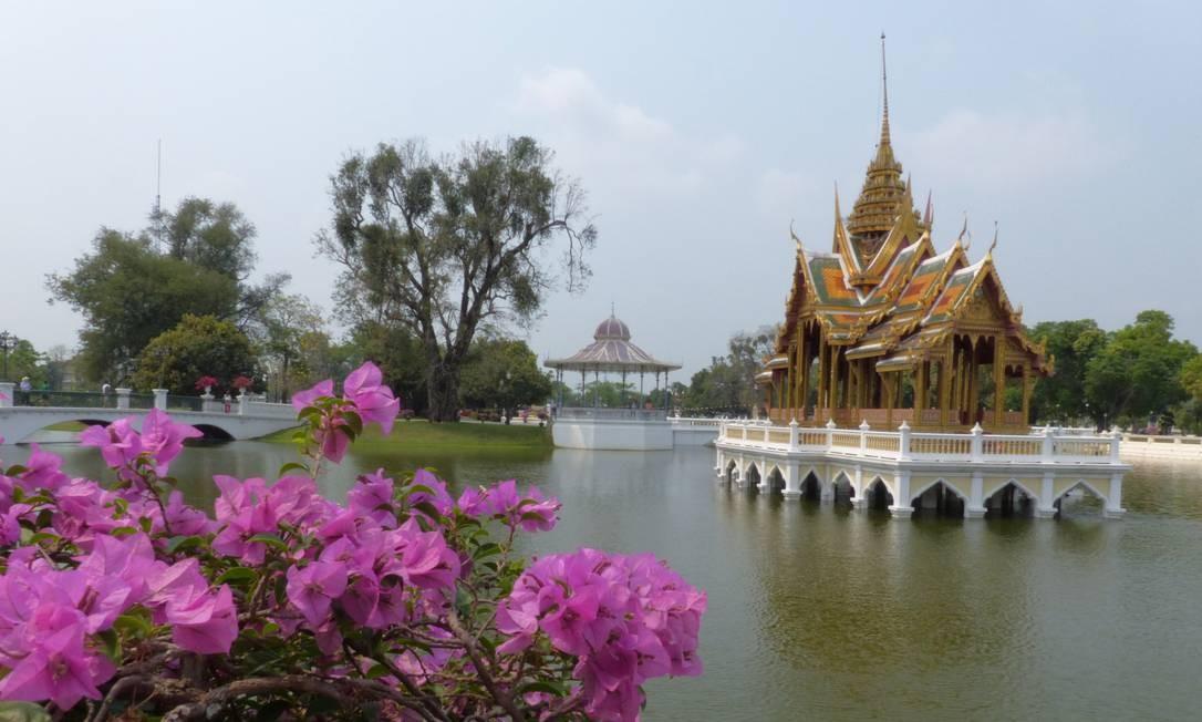 Palácio de Verão, em Ayutthaya Foto: Marcelo Carnaval / Agência O Globo