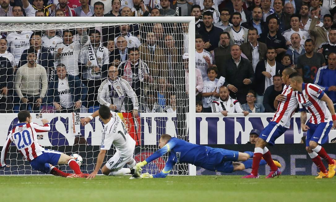 O mexicano concluiu após linda jogada de Cristiano Ronaldo Sergio Perez / REUTERS