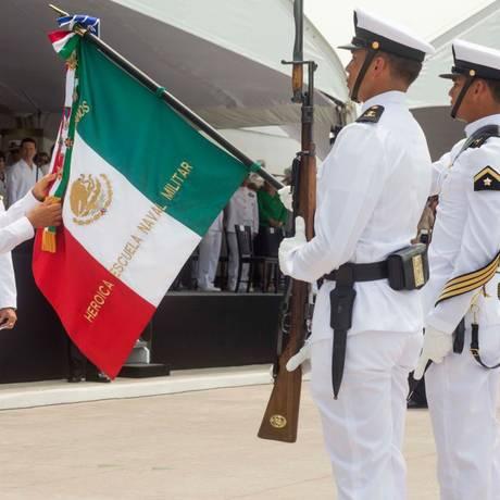 Reforma constitucional. O presidente Enrique Peña Nieto, durante cerimônia em coemoração do 101º aniversário da defesa do Porto de Veracruz; Sistema Nacional Anticorrupção para recuperar credibilidade Foto: Agencia el Universal / Presidencia/RCC