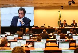 CPI da Petrobras na Câmara durante reunião para ouvir o depoimento de Augusto Mendonça Neto, Presidente da Setal Engenharia e Executivo da Toyo Setal Empreendimentos Foto: Ailton de Freitas / Agência O Globo