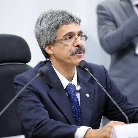 O relator da Comissão Parlamentar de Inquérito (CPI) da Petrobras, deputado Luiz Sérgio (PT-RJ) Foto: Gustavo Lima / Agência Câmara