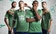Gum, Kenedy, Marlon e Wagner apresentam novo terceiro uniforme do Fluminense
