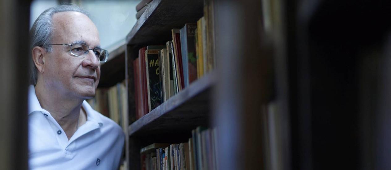 Marcio Tavares do Amaral, professor da Escola de Comunicação da UFRJ há 44 anos, lança livro sobre a história dos paradigmas filosóficos Foto: Gustavo Stephan