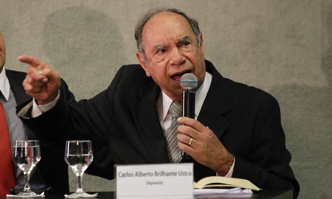 Coronel reformado Carlos Alberto Brilhante Ustra, durante depoimento à Comissão da Verdade em 2015 Foto: Ailton de Freitas / Agência O Globo