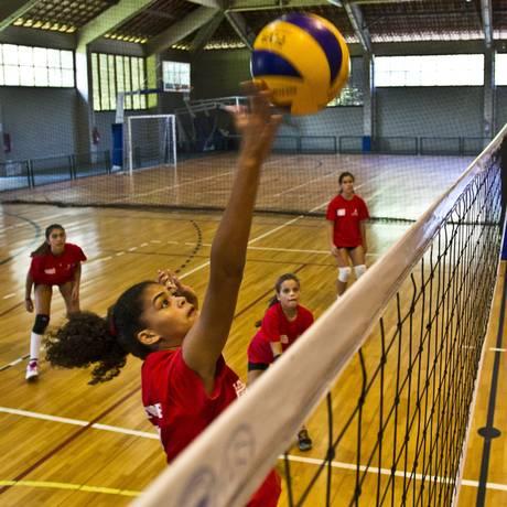 O primeiro clube da região a ser federado formou uma equipe sub-13 feminina Foto: Guilherme Leporace / Agência O Globo