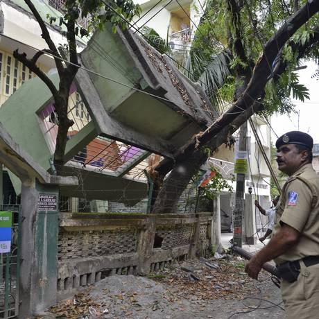 Terremoto que atingiu o Nepal foi sentido também na Índia, onde mais de 30 pessoas morreram Foto: STRINGER/INDIA / REUTERS