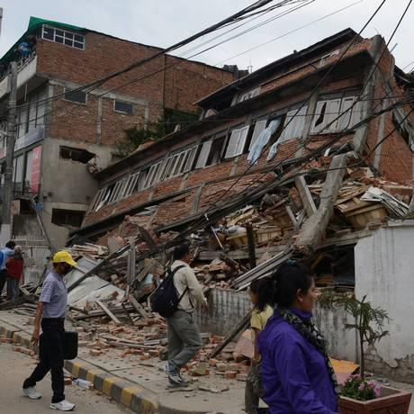 Terremoto de 7,8 graus de magnitude atingiu país neste sábado Foto: PRAKASH MATHEMA / AFP