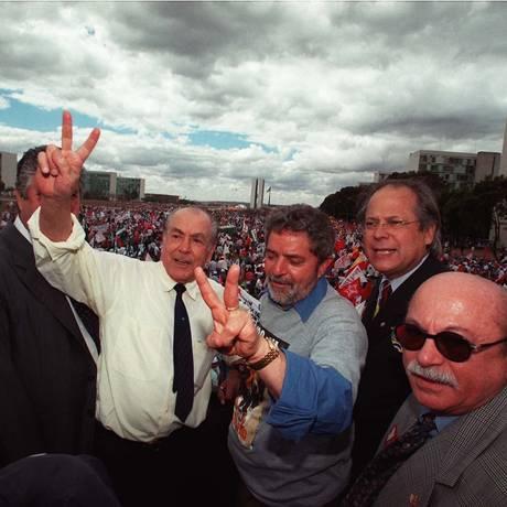 Na Esplanada, em 1999, Brizola e Lula fazem o
