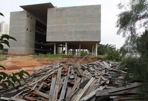 Museu, que deveria ter ficado pronto em 2013, está na mira de PF, MP e TCE Foto: Agência O Globo / Michel Filho