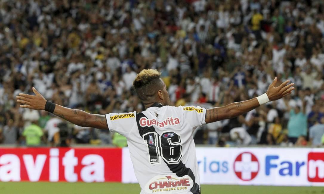 Rafael Silva comemora o único gol do clássico Marcelo Carnaval / Agência O Globo