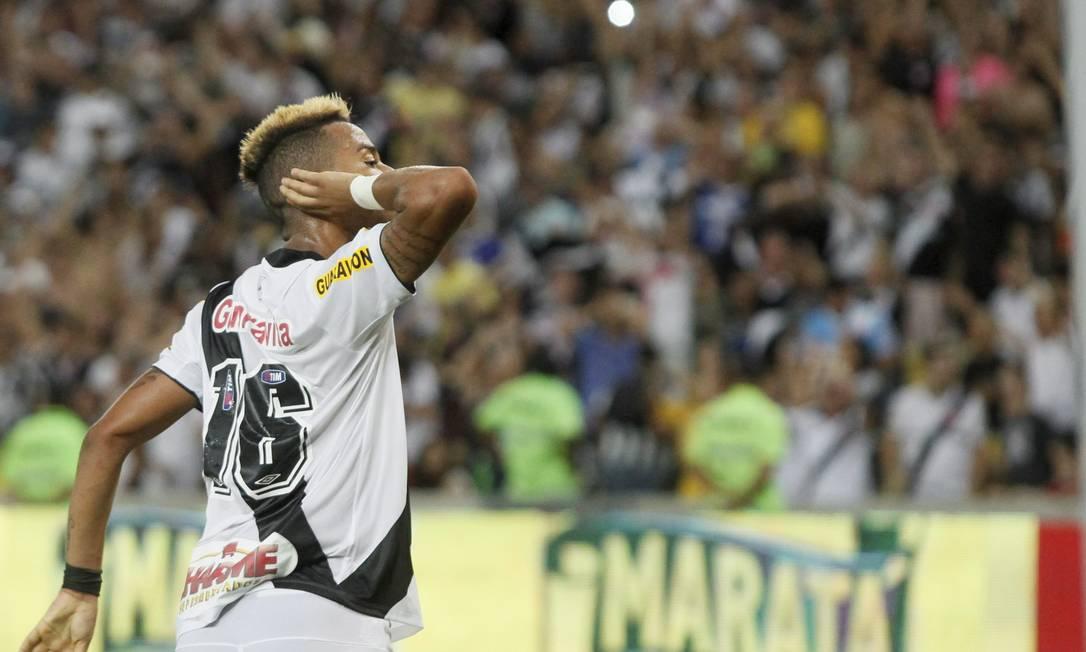 Rafael Silva durante a comemoração do gol, que foi marcado aos 46 minutos do segundo tempo Marcelo Carnaval / Agência O Globo