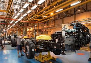 Caminhão na linha de montagem da fábrica da Mercedes no ABC paulista Foto: Divulgação