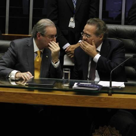 O presidente da Câmara dos Deputados, Eduardo Cunha (PMDB-RJ), ao lado do presidente do Senado, Renan Calheiros (PMDB-AL) Foto: Givaldo Barbosa/11-3-2015