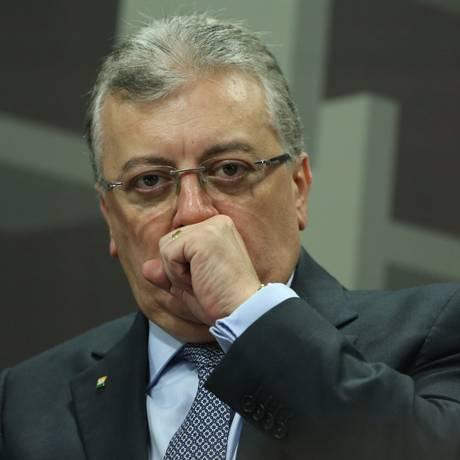 Aldemir Bendine durante a audiência na Comissão de Assuntos Econômicos do Senado Foto: Andre Coelho / O Globo