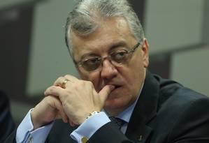 Aldemir Bendine na audiência na Comissão de Assuntos Econômicos do Senado Foto: Andre Coelho / O Globo