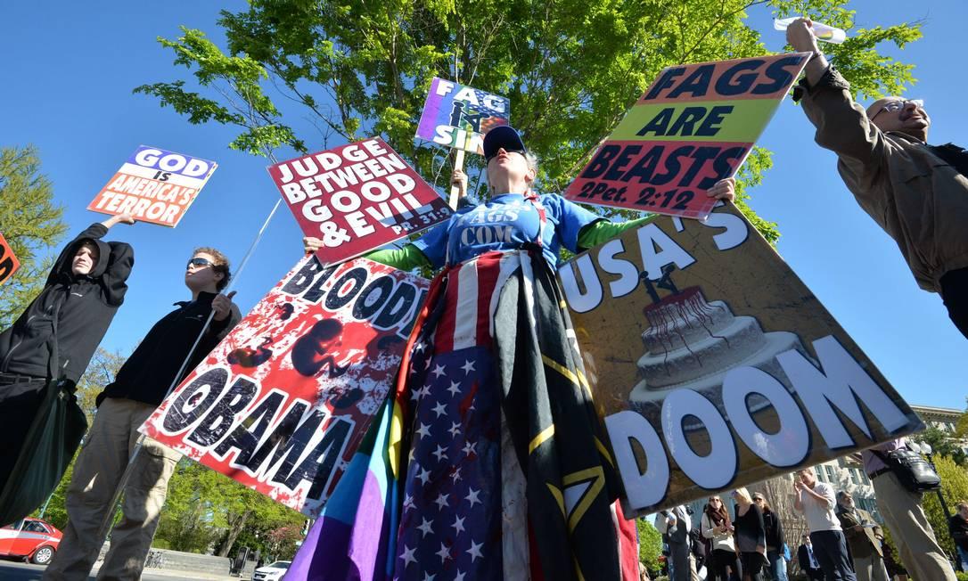 Opositores ao casamento gay também estiveram presentes MLADEN ANTONOV / AFP