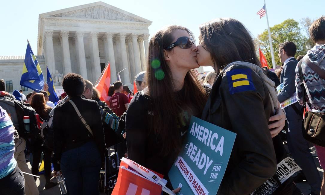 Casal lésbico pede a aprovação do casamento gay OLIVIER DOULIERY / AFP