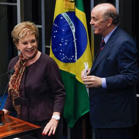 Os senadores Marta Suplicy e José Serra Foto: André Coelho/23-4-2015 / Agência O Globo