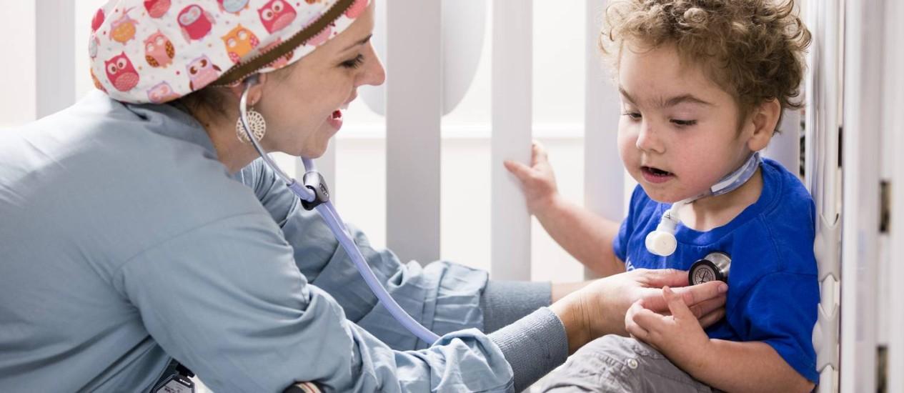 Kaiba Gionfriddo, de 3 anos, superou problemas respiratórios graças a tubo de impressora 3D Foto: Universidade de Michigam
