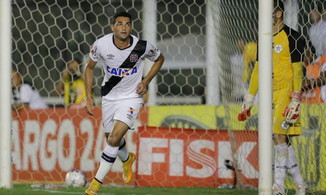 Contra o Resende, Gilberto deixou sua marca mais uma vez, em nova vitória por 1 a 0 Marcelo Theobald / Agência O Globo