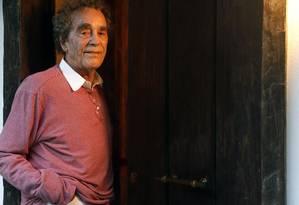 André Midani em sua casa: produtor chegou aos Brasil em 1955 Foto: Fábio Rossi/ Agência O Globo