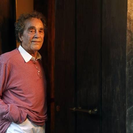 André Midani em sua casa: experimentações criativas levaram ao projeto na Cidade das Artes Foto: Fábio Rossi/ Agência O Globo