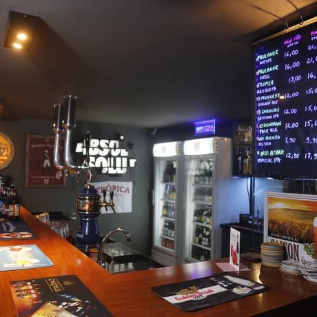 Mais de 150 opções de rótulos de cervejas nacionais e importadas além de oito chopeiras Foto: Felipe Hanower / Agência O Globo